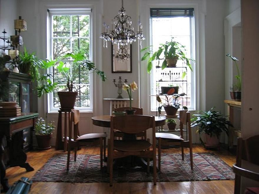 Grand Garden/Parlor Duplex Loaded With Ornate Detail ! Photo 11 - BBR-1584