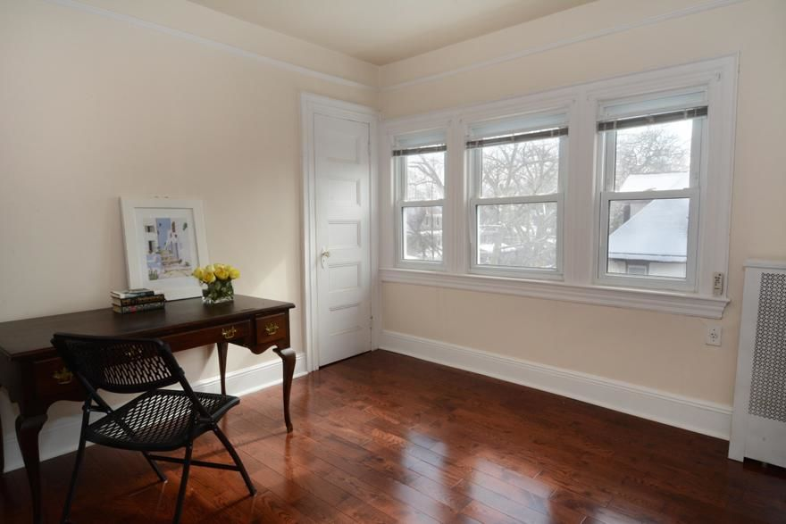 Beautiful Victorian Home...Plus A Huge Garden (single Family 5000 Sq.ft. Lot) Photo 12 - BBR-1586