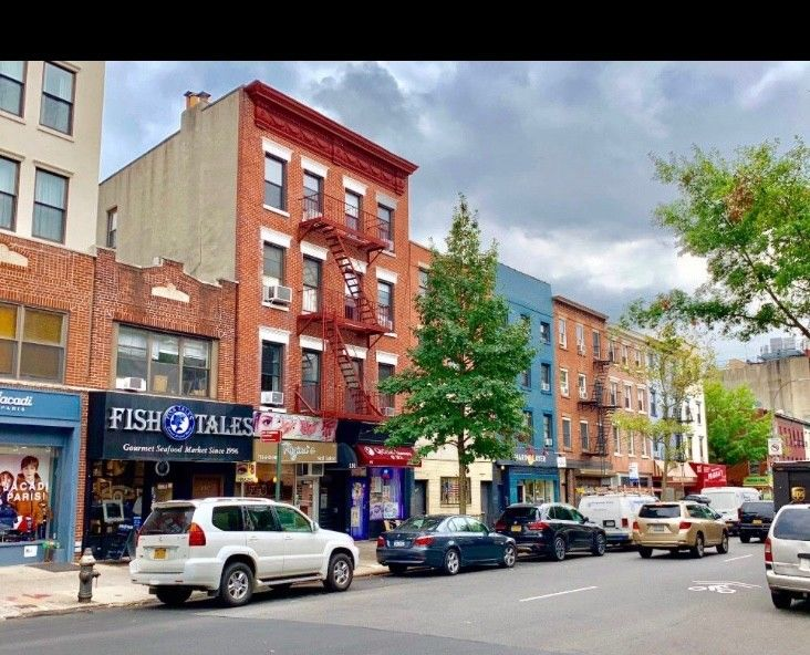 $300K Price Drop! Work, Live And Play... Extra Large Cobble Hill, Corner, Mixed Use Building Photo 11 - BBR-2652
