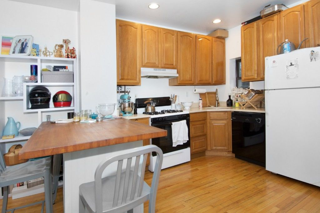 $300K Price Drop! Work, Live And Play... Extra Large Cobble Hill, Corner, Mixed Use Building Photo 8 - BBR-2652
