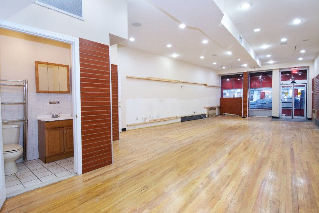 Major Price Slash! Motivated Seller! Extra Large Cobble Hill, Corner, Mixed Use Building Photo 2 - BBR-2661