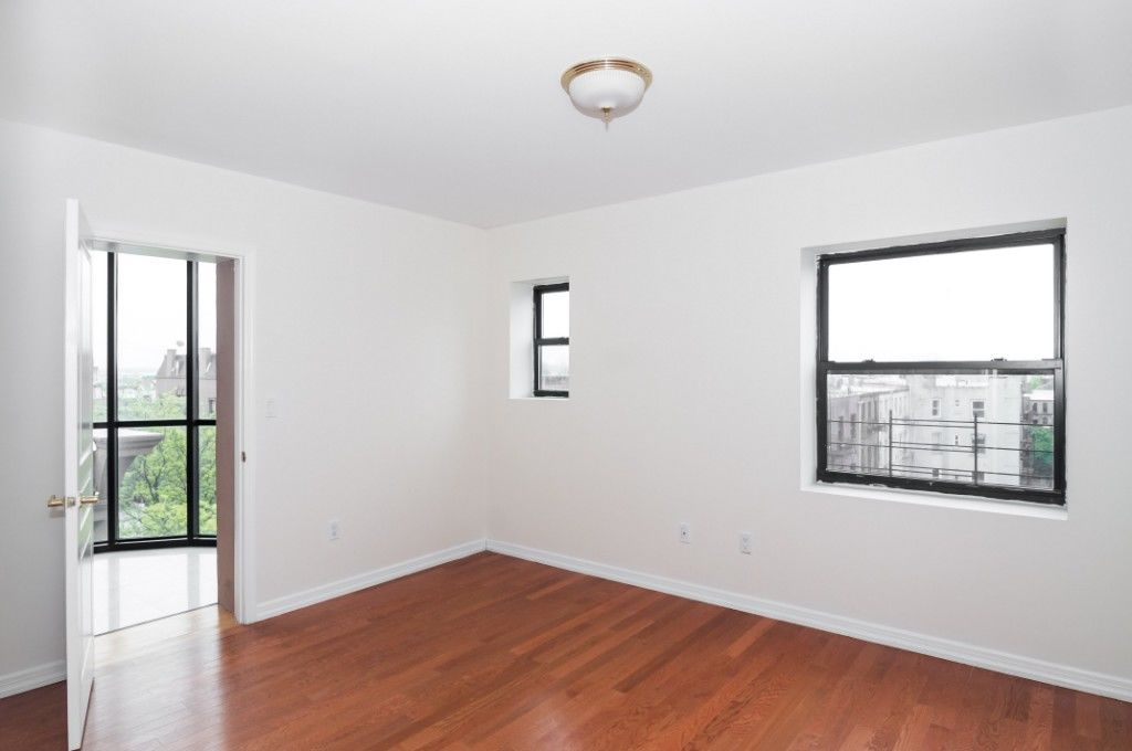 HUGE Sunny 2 Bedroom With Office Photo 1 - BBR-2681