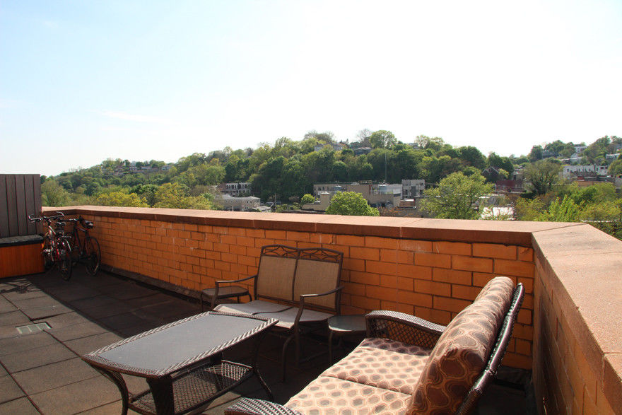 This Chic & Stylish 2 Bedroom/2 Bath Condo With Incredible Views Is An Easy Place To Call Home. Photo 10 - BBR-2693