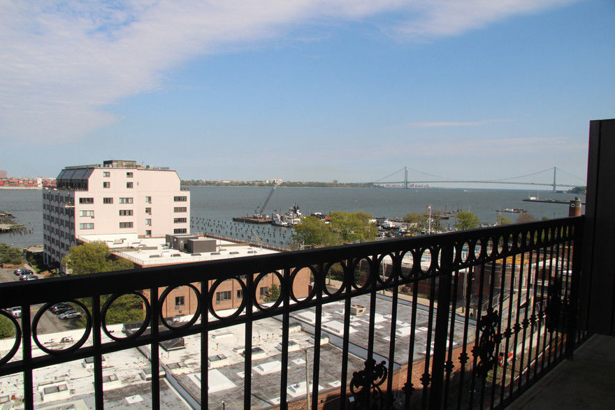 This Chic & Stylish 2 Bedroom/2 Bath Condo With Incredible Views Is An Easy Place To Call Home. Photo 11 - BBR-2693