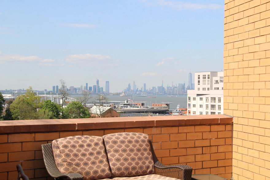 This Chic & Stylish 2 Bedroom/2 Bath Condo With Incredible Views Is An Easy Place To Call Home. Photo 5 - BBR-2693