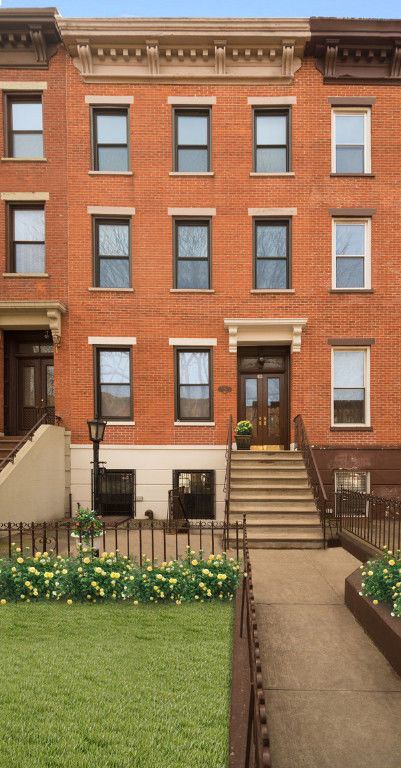 Classic Carroll Gardens Townhouse Photo 0 - BBR-2701