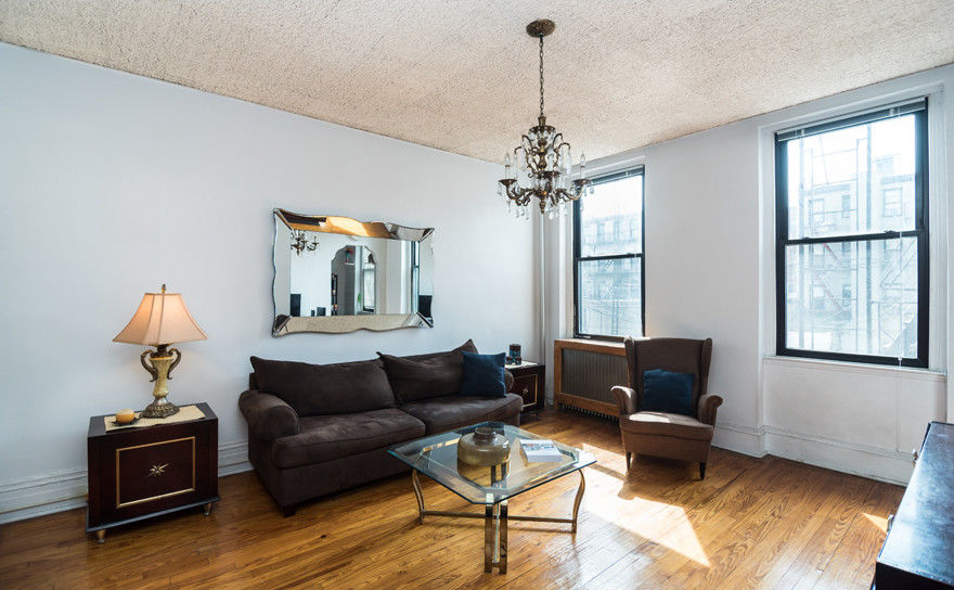 Classic Carroll Gardens Townhouse Photo 5 - BBR-2701