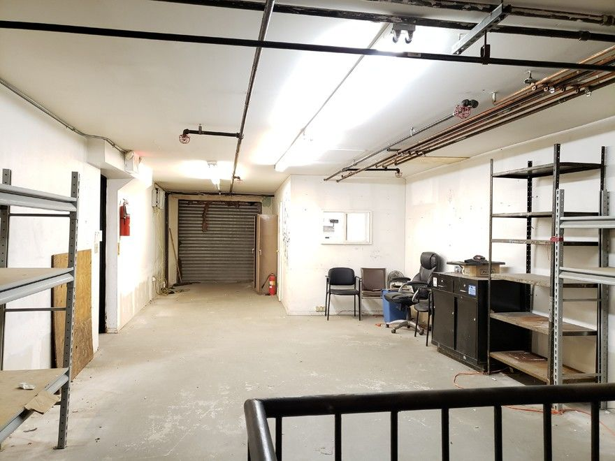 Warehouse Space With Loading Dock & Inside Parking! Photo 3 - BBR-2705