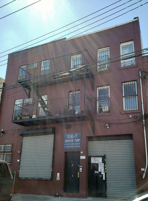 Bring Your Entrepreneur Energy To This Warehouse Space With Loading Dock &  Inside Parking! Photo 7 - BBR-2705