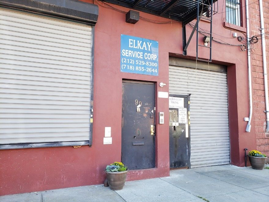 Warehouse Space With Loading Dock & Inside Parking! Photo 10 - BBR-2705