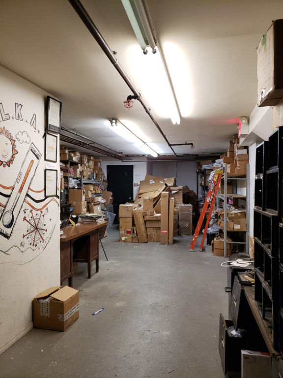 Bring Your Entrepreneur Energy To This Warehouse Space With Loading Dock &  Inside Parking! Photo 4 - BBR-2705