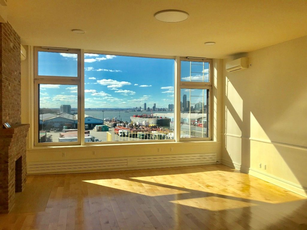 Stunning Cobble Hill Duplex In The Sky With Harbor And Manhattan Views + Parking Available Photo 2 - BBR-2719
