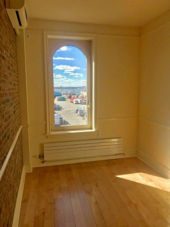 Stunning Cobble Hill Duplex In The Sky With Harbor And Manhattan Views + Parking Available Photo 5 - BBR-2719