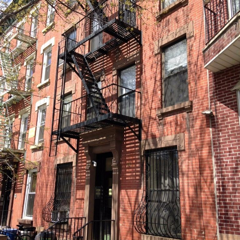 NO FEE LARGE ONE BEDROOM FLOOR THRU WITH PRIVATE ROOF DECK AND FIREPLACE Photo 10 - BBR-2739