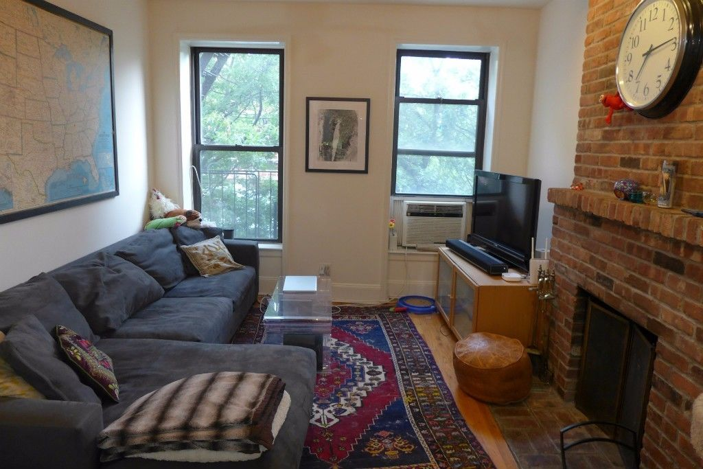 NO FEE LARGE ONE BEDROOM FLOOR THRU WITH PRIVATE ROOF DECK AND FIREPLACE Photo 3 - BBR-2739