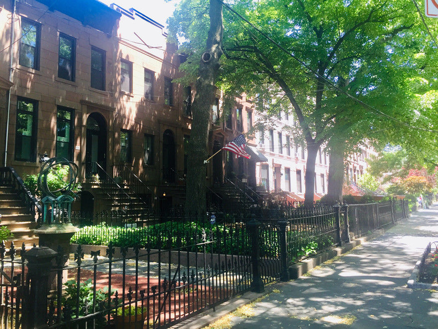 Enchanting Carroll Gardens Townhome Photo 8 - BBR-2745