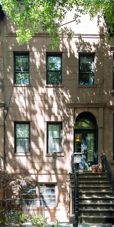 Enchanting Carroll Gardens Townhome Photo 0 - BBR-2745
