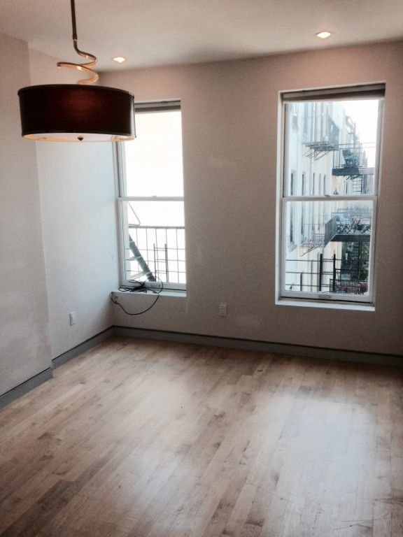 One Month Fee Prime Park Slope Condo Finishes Renovated Floor Through Unit One Month Fee Photo 5 - BBR-2775