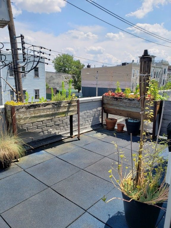 It'S BBQ Time!!! Exclusive Outdoor Roof Terrace...Best Deal In Town! Photo 11 - BBR-2779