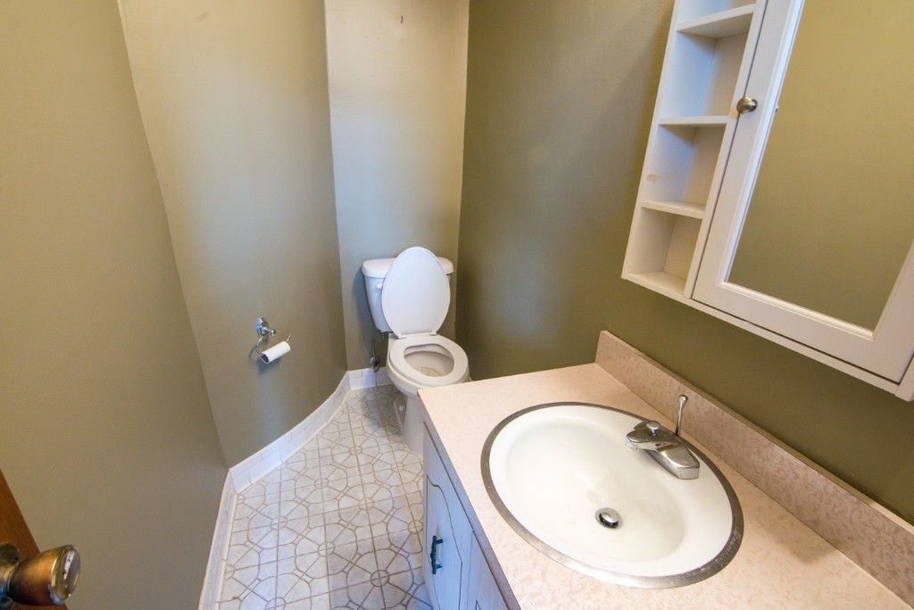 34' Wide Brownstone DUPLEX Tucked Away On A Tree Lined Block NO FEE Photo 17 - BBR-2788