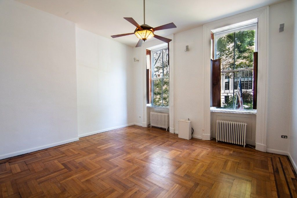 34' Wide Brownstone DUPLEX Tucked Away On A Tree Lined Block NO FEE Photo 10 - BBR-2788