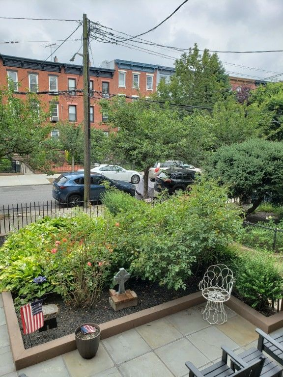 Immaculate Townhome Living Inside & Out! Photo 12 - BBR-2794