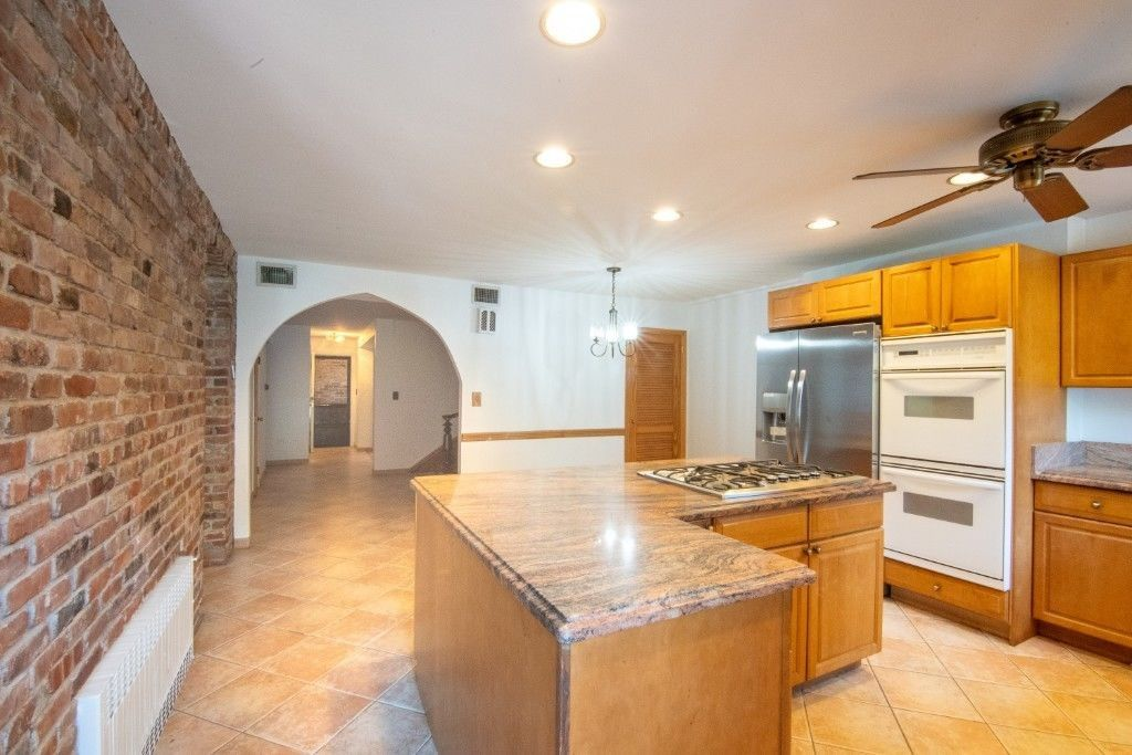 Come Home To One Of The Prettiest Blocks...  Brownstone Duplex Photo 3 - BBR-2798