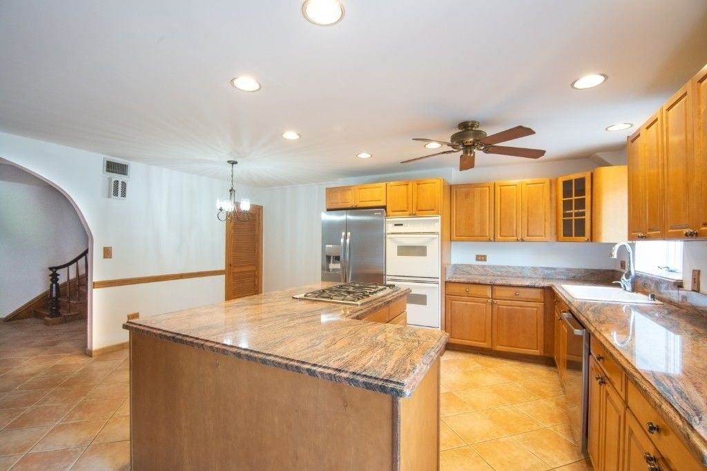 Come Home To One Of The Prettiest Blocks...  Brownstone Duplex Photo 4 - BBR-2798
