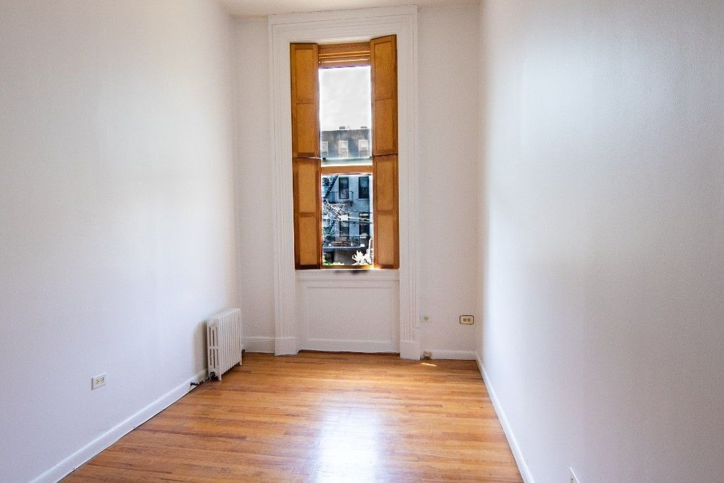 Come Home To One Of The Prettiest Blocks...  Brownstone Duplex Photo 10 - BBR-2798