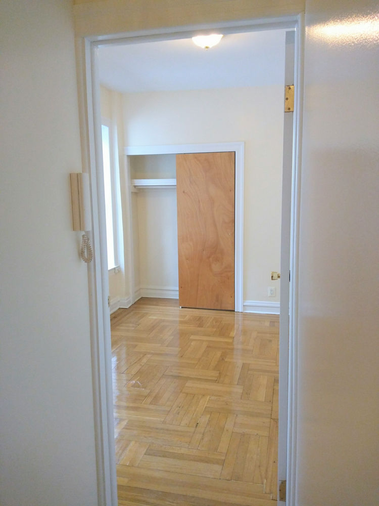 41 E 31st St, APT 3C Photo 2 - NT-1577756