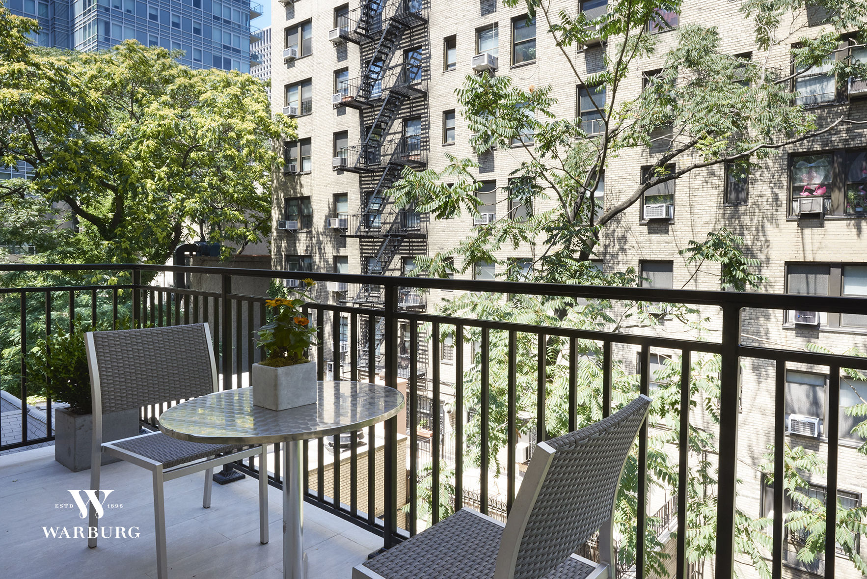 323 East 52nd Street, Apt 3 Photo 4 - WR-2785287