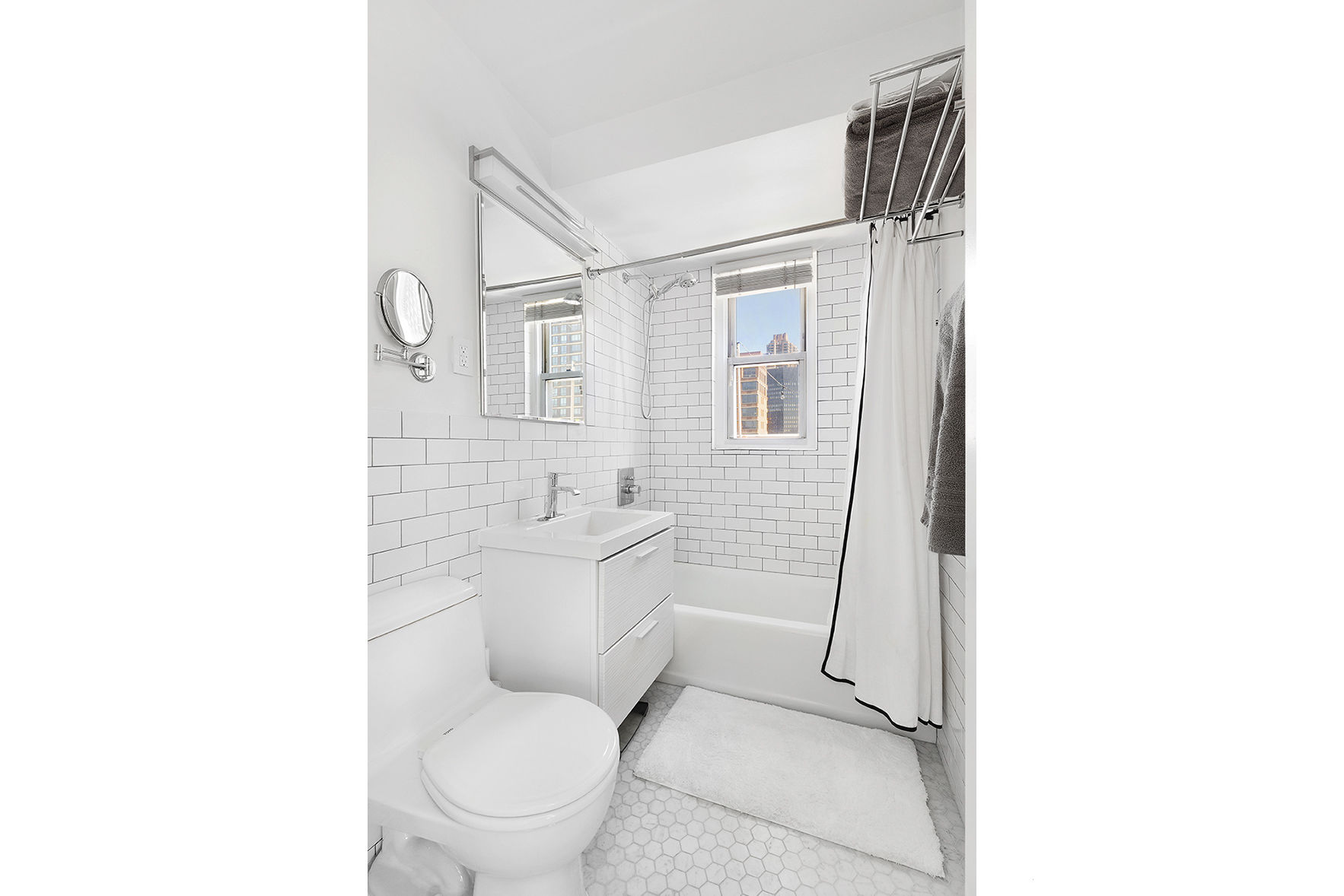 251 East 32nd Street, Apt 19C Photo 4 - WR-2949851