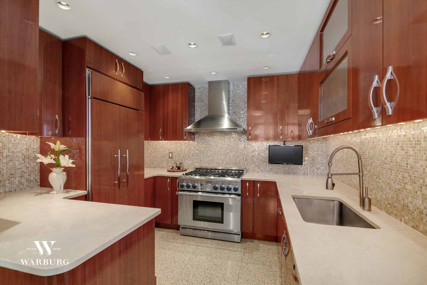 350 West 14th Street, Apt PHE Photo 3 - WR-704111