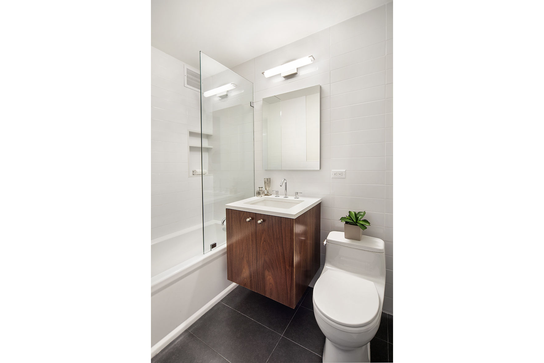 100 West 93rd Street, Apt 2J Photo 6 - WR-738612