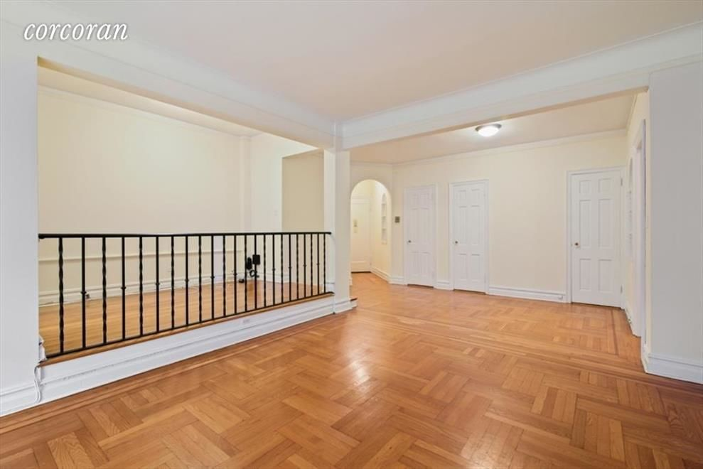 225 Sterling Pl, APT 2H Photo 3 - CORCORAN-5321546