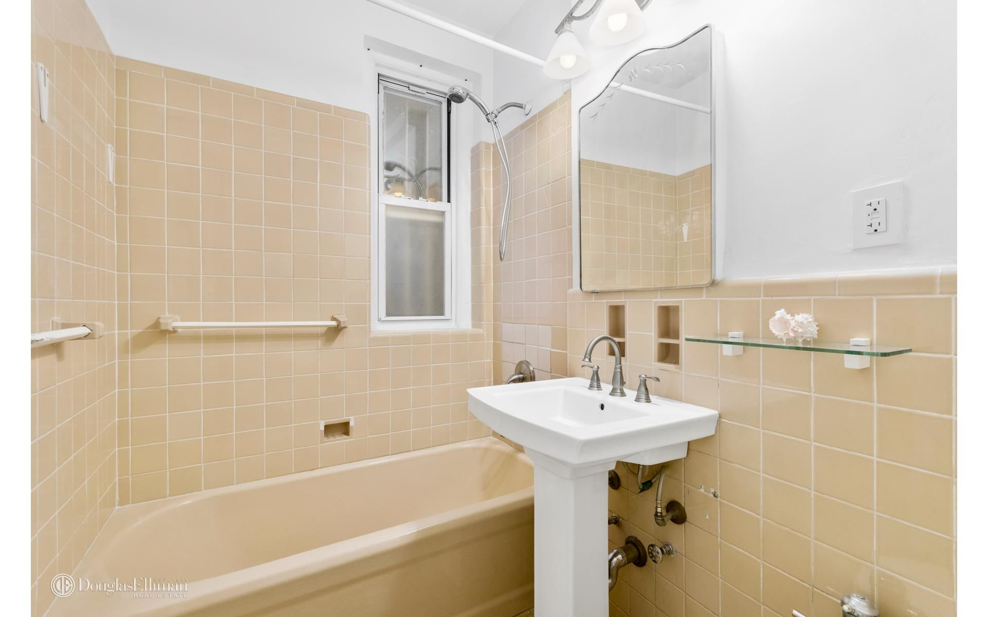 1409 Albemarle Rd, APT 1H Photo 5 - ELLIMAN-3138656