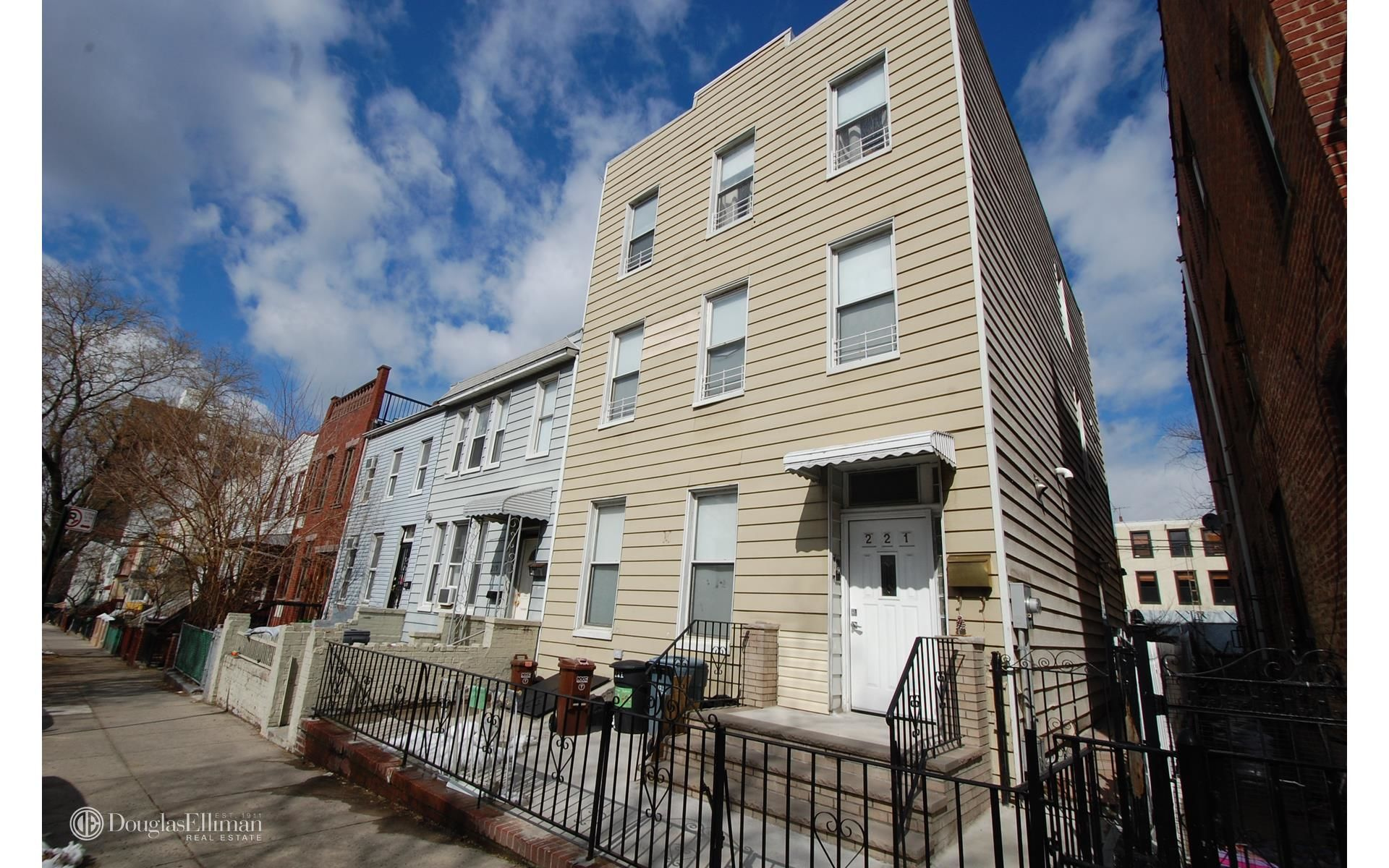 221 19th St Photo 2 - ELLIMAN-3185967