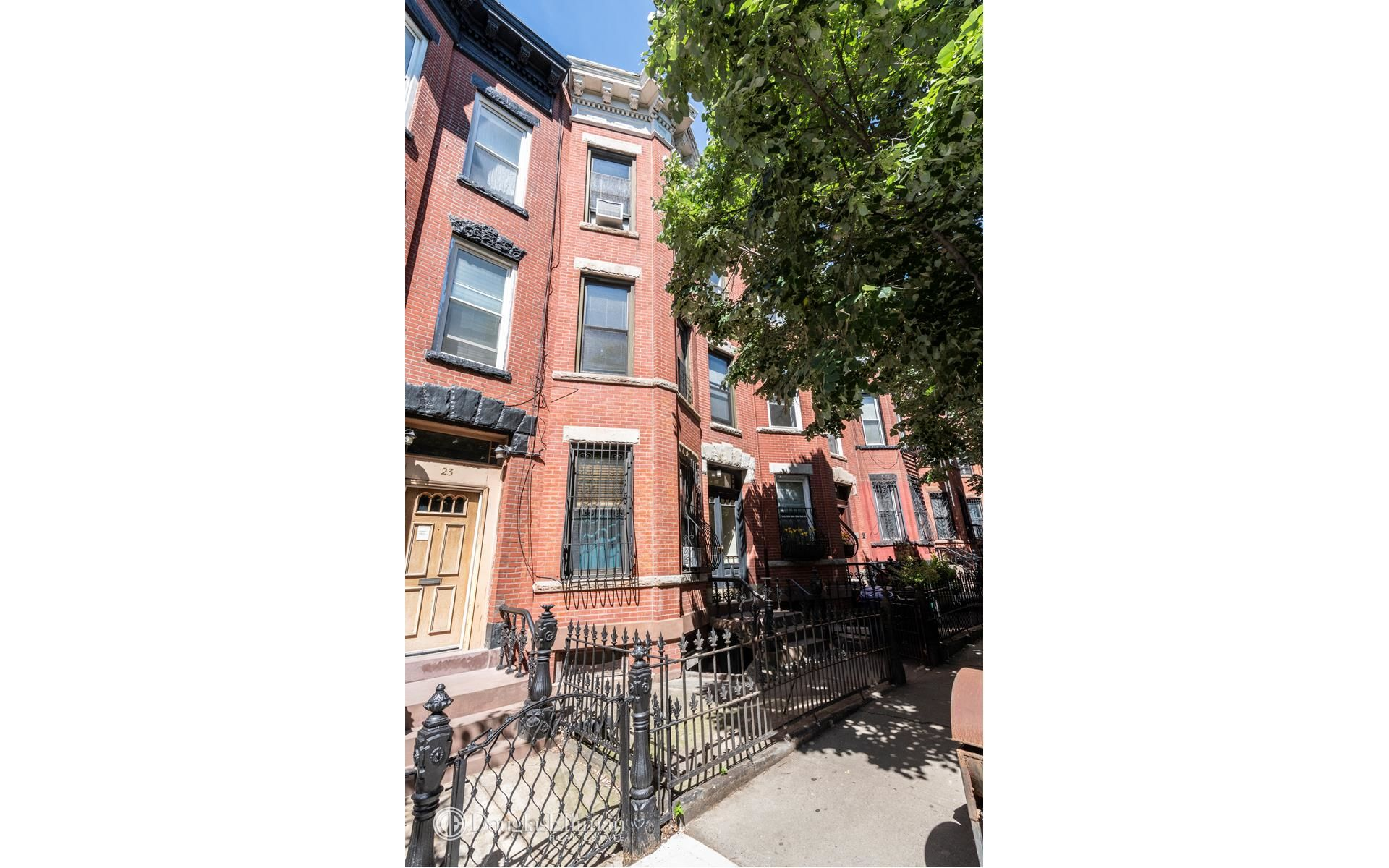 25 Saint Marks Ave Photo 5 - ELLIMAN-3282769
