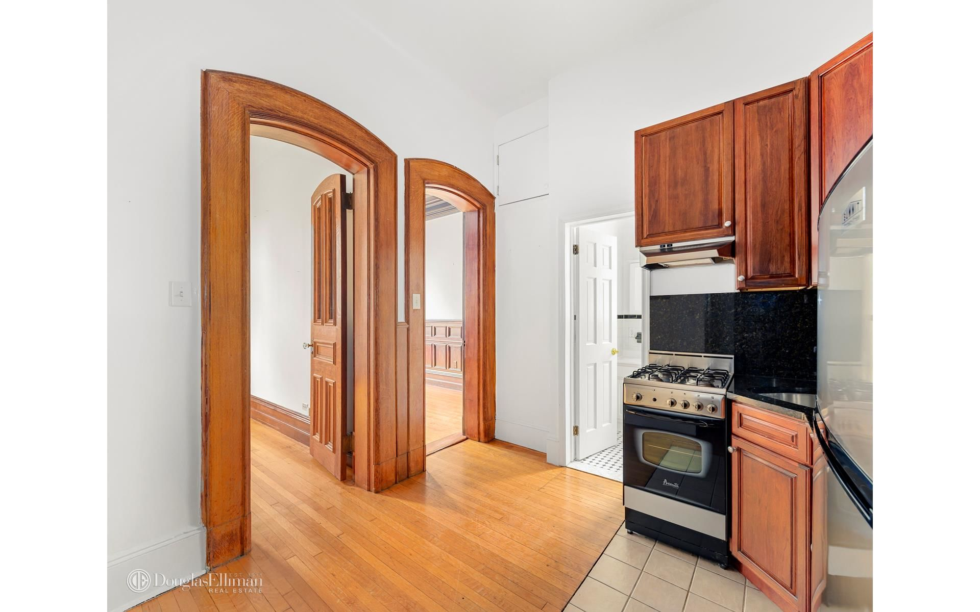 150 Columbia Hts, APT 4F Photo 1 - ELLIMAN-3729568