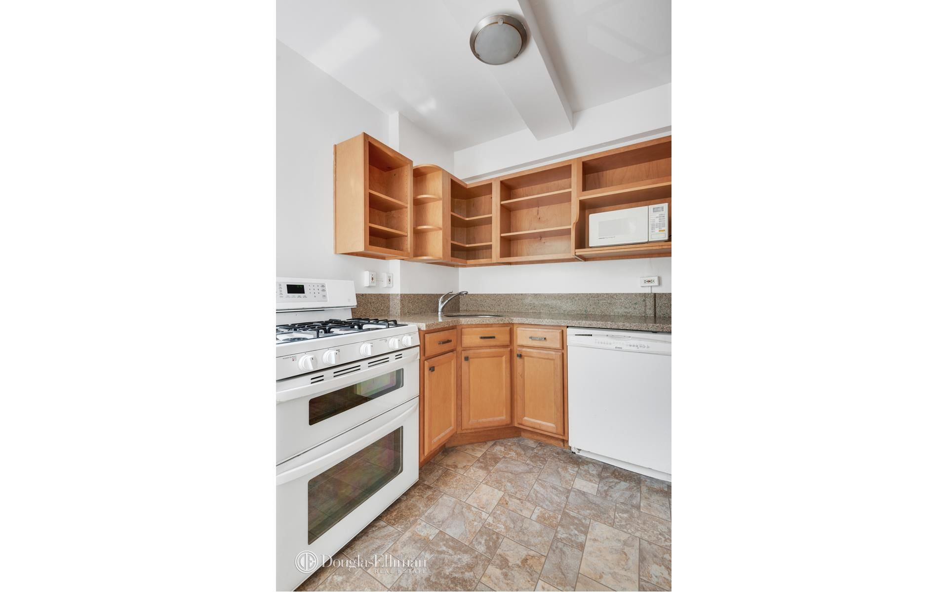 130 8th Ave, APT 2A Photo 9 - ELLIMAN-3787631