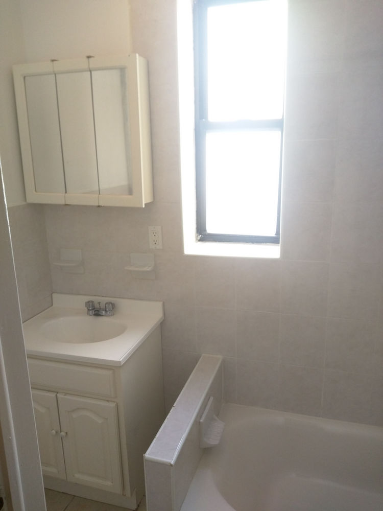 41 E 31st St, APT 3C Photo 7 - NT-1577756