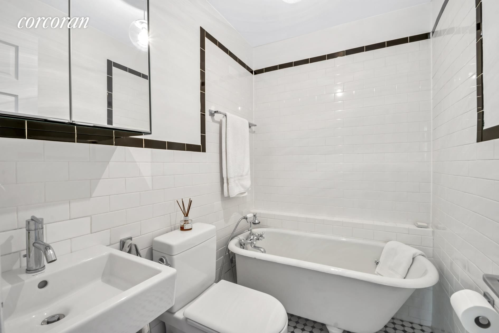 561 Union St Photo 2 - NYC-Real-Estate-668587